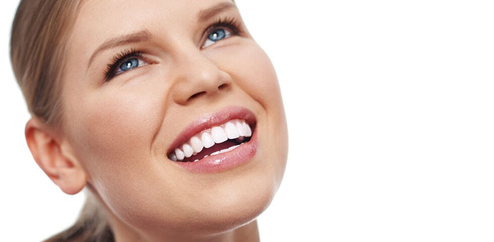 pretty-woman-with-sparkling-white-teeth